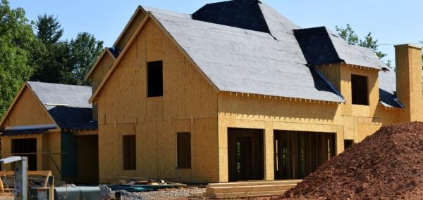 Po co ocieplać stare domy i inwestować w wentylację mechaniczną?